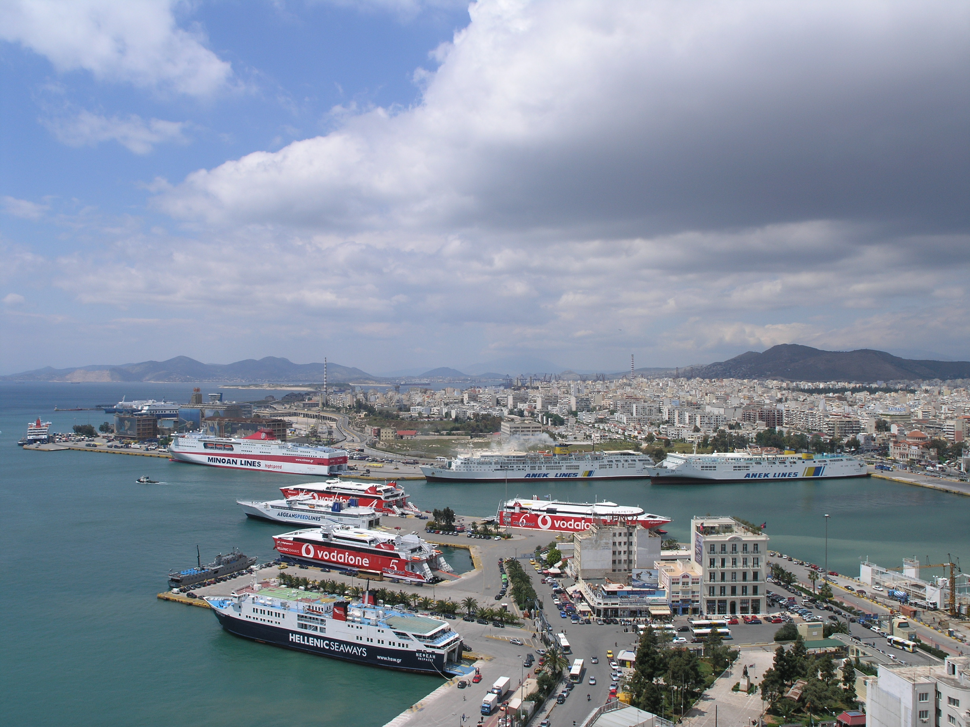 Port_of_Piraeus_Panoramic_View